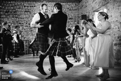 Lukas Powroziewicz, van Midlothian, is een trouwfotograaf voor Colstoun House, Haddington