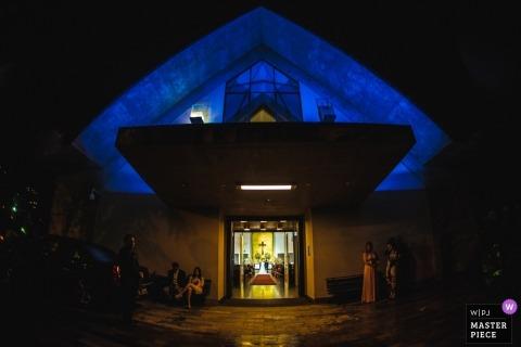 Igreja Nossa Senhora Rainha wedding photo | photographie de mariage au Brésil