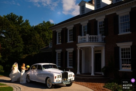 Hingham, MA documentary wedding photo - The Bride Is Never Late  - Limo, bride, maid of honor