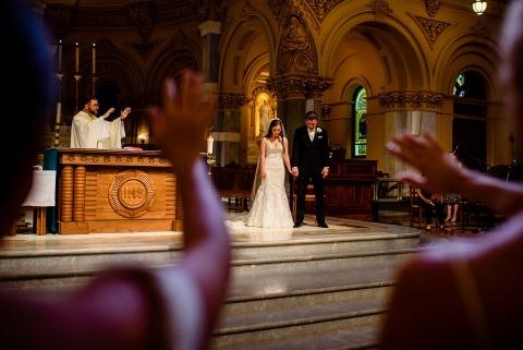 Denis Gostev, uit New York, is een trouwfotograaf voor de St. Francis Xavier Church