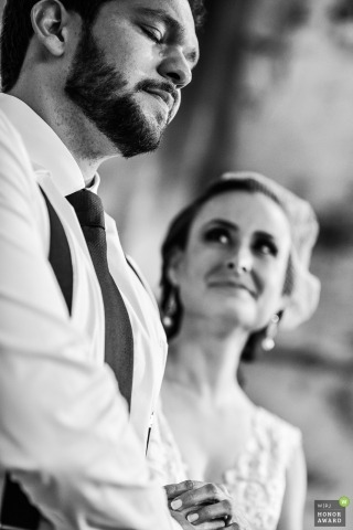 Wedding shoot with piracicaba couple during emotional ceremony