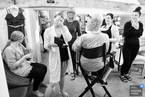 Mythe Barn, Atherstone, UK wedding day photography of the girls getting ready.