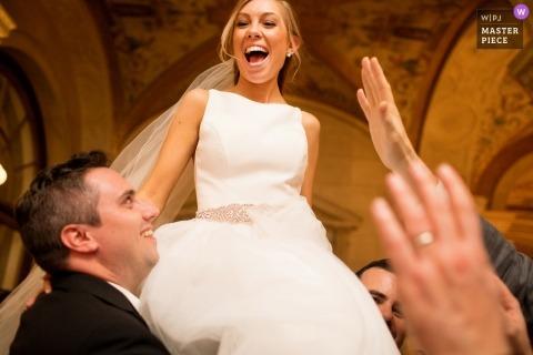 Huwelijksopname met Providence-koppel tijdens receptie dansen
