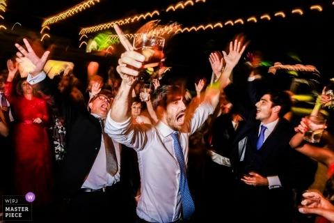Ponferrada, Hiszpania goście podczas przyjęcia weselnego