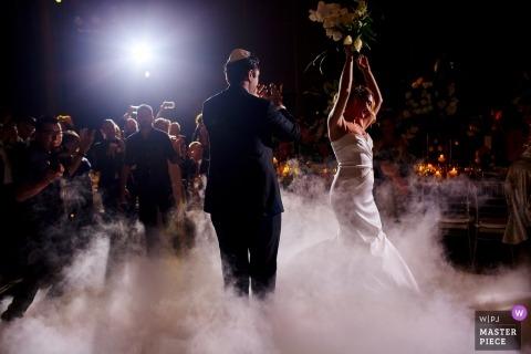 Quintana Roo bruidspaar op de dansvloer | Huwelijksfotografie voor Mexico