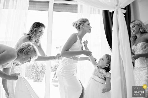 Braut, die in Santa Margherita Ligure fertig wird