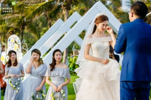 Hangzhou City couple during their outdoor wedding ceremony