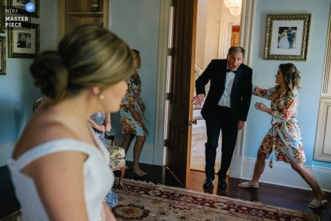 A dad sees his daughter a little too soon! | Getting ready for wedding ceremony in Oxford, MS