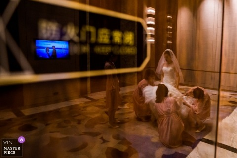 A Fujian, China bride with bridesmaids getting ready image