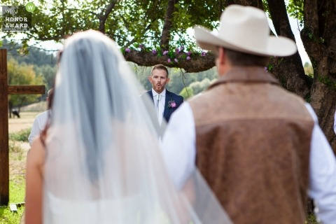 Payson, Az groom seeing bride with dad during their wedding