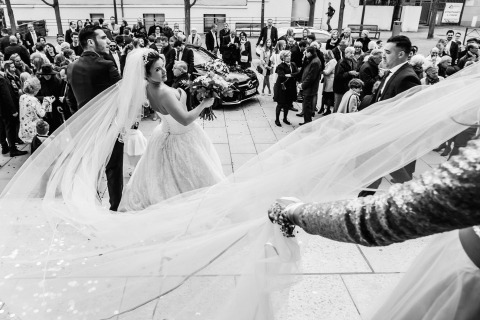 Ceremony veil wedding photography by William Lambelet Montpellier FRANCE, WPJA contest, POY2017
