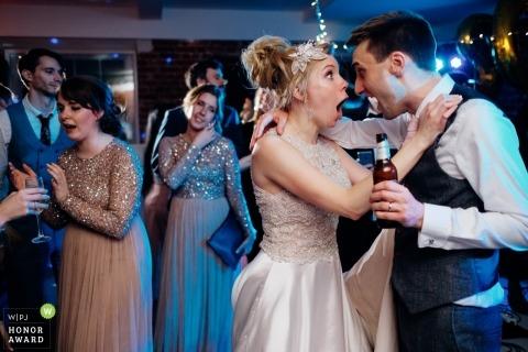 Sopley Mill trouwlocatie foto - Leuk paar feestje