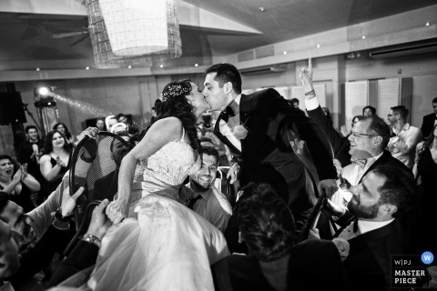 Battery Gardens, New York - dance and kiss in black and white high above guests