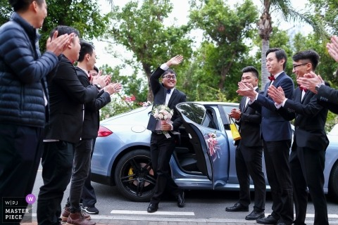 中國珠海婚禮派對 - 新郎下車到達婚禮現場的那一刻