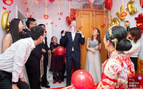 Traditional traditional Chinese door games entertainment this bridal party