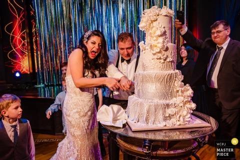 Restaurante Baku Palace - recepción de bodas Foto del corte de la torta