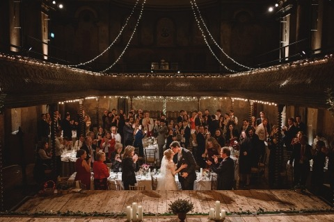 Michael Jackson aus Kent ist Hochzeitsfotograf in der Wiltons Music Hall