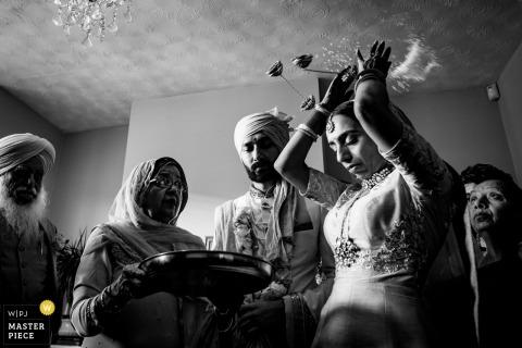 Wolverhampton, UK wedding reportage photography | Doli ceremony