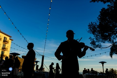 Los Angeles, California Wedding Violinist playing at this outdoor reception party