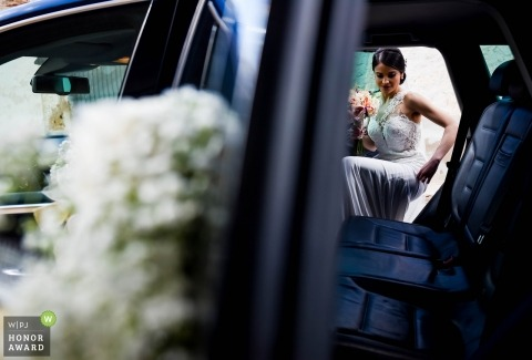 Almería Spain Wedding photo from inside the car as the bride enteres