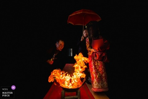 Home aisle wedding photographer | Chinese traditional bride and groom bride entrance ceremony with fire