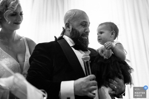 YORK MILLS GALLERY wedding photographer | the groom was crying when giving the speech at the wedding reception