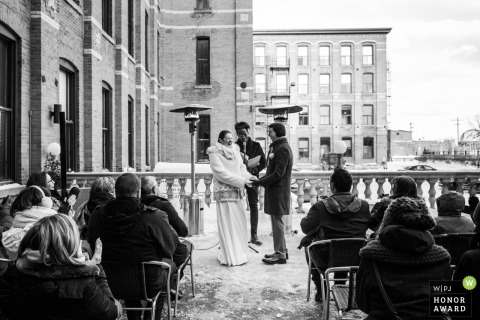 L'Ambroisie, Montreal, Quebec - Outdoor winter wedding photography with snow in Montreal, Quebec