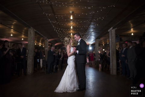 Kolo Klub Wedding Photographer - Picture of the couple's first dance during the reception
