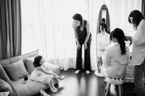 Leon Wong, de, es un fotógrafo de bodas de Guangzhou, China.
