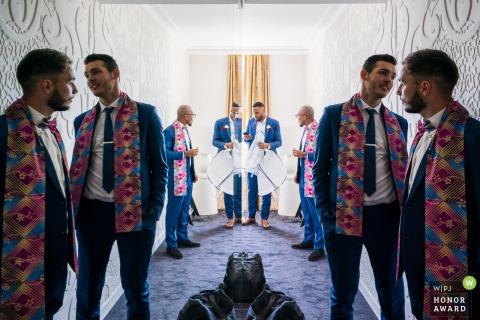 Orléans Chartres trouwfoto van de mannen | Bijna klaar om naar de kerk te gaan