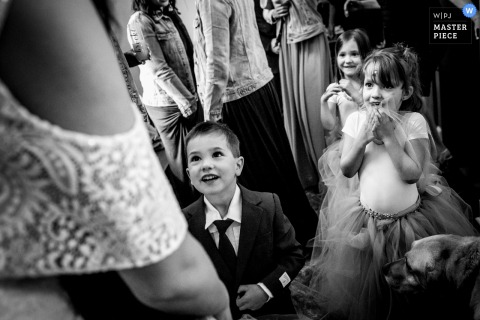 Wedding Photography from Fruitvale BC - Flower girls and ring bearer see bride
