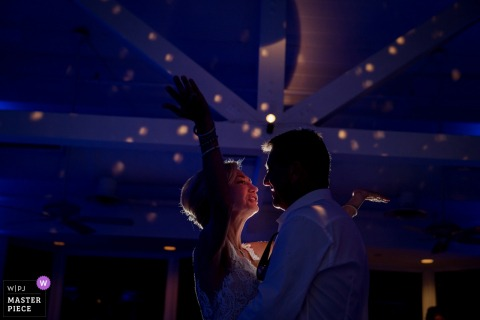 Receptiefoto's bij The Hyatt Centric - First Dance with bride and groom.