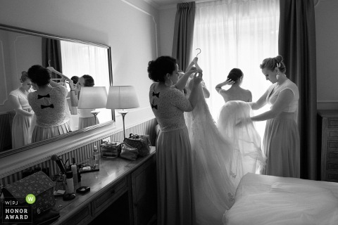 Photo of Villa Durazzo Bride getting ready before the wedding ceremony
