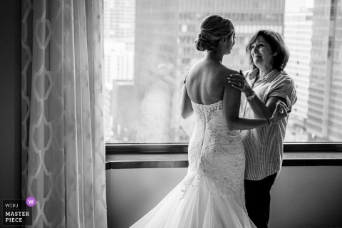 Chicago - Renaissance Hotel Wedding Venue - Photos of getting ready with mom