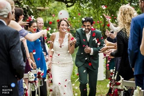 Fort Vechten właśnie poślubił zdjęcia ślubne po ceremonii plenerowej