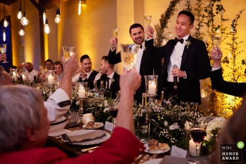 Villa Medicea di Lilliano, Florenz Hochzeitsfoto auf dem Toast an der Hochzeitsfeier