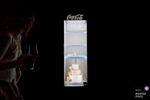 Photographie de lieu de mariage Hofgut Hohenstein - Photo du gâteau de mariage dans la glacière