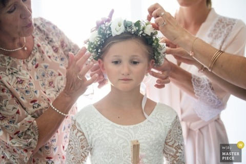 Aix en Provence, Moulin de la recense - Photos of getting ready of young flower girl with flowers in her hair