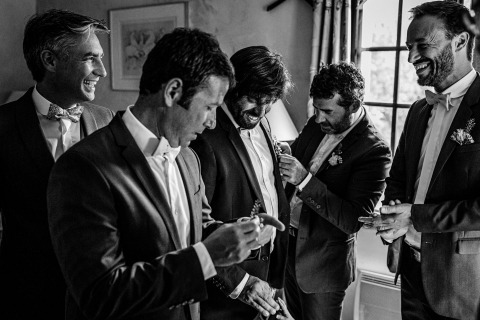 Florent Cattelain, of, é um fotógrafo de casamento em Domaine de Petiosse, Landes, France