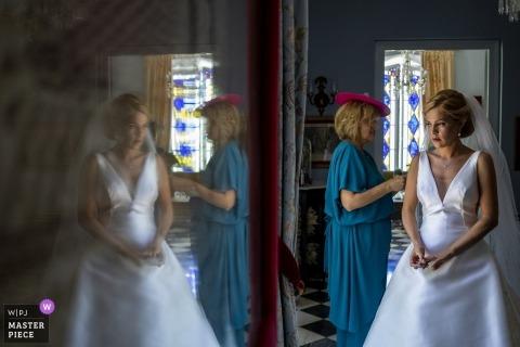 Malaga - Mariage Hacienda del Alamo Photos des dernières retouches avant la cérémonie