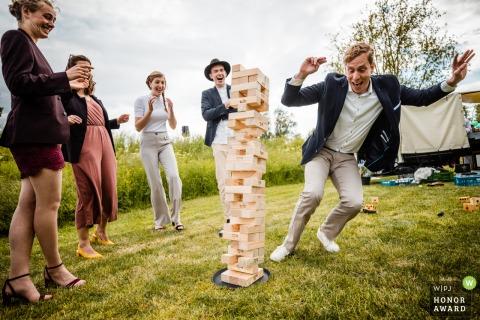 Fort Altena, Werkendam outdoor wedding venue photo | Quests playing a game