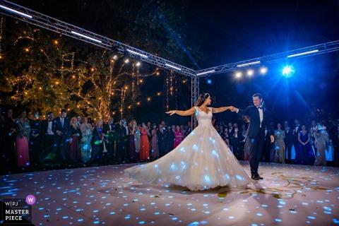 Sirmione Isola del Garda photographie de mariage de la première danse par les mariés