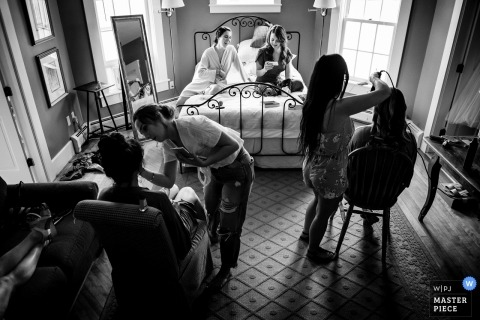 Vermont wedding photography - Inn at Mountain View Farm | The bridal party preps before the ceremony.