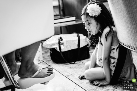 Ashford Estate wedding venue photo | Flower girl staring at the brides' feet
