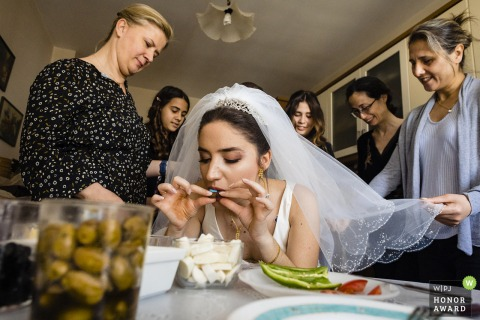 Wedding photography at the bride's Home /Mersin/Turkey | breakfast time with family's women :)