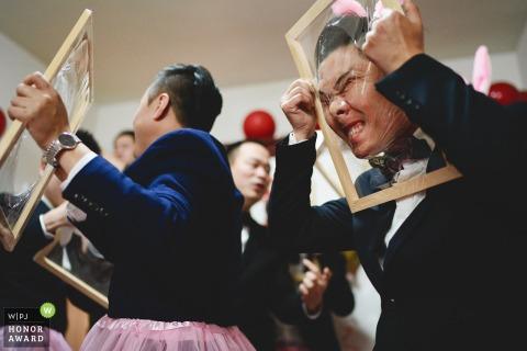 Fotografía de la boda de Zhejiang de los juegos de novios en casa