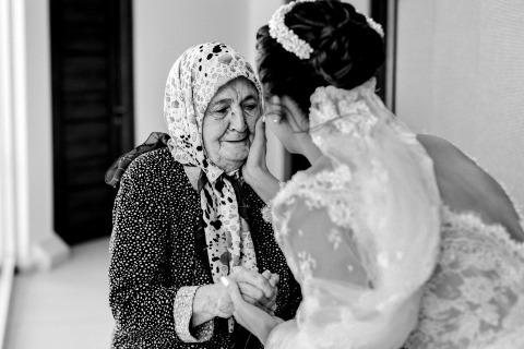 来自安塔利亚的Serenay Lokcetin是以下婚礼的摄影师-