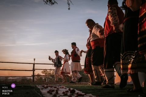 Dren, Sofia wedding photographer | Bulgarian traditional dance in traditional clothes