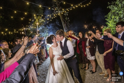 Villa Monastero Pax, Lenno, Italy Wedding Photo of Bride/Groom/Kiss/Love