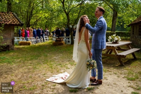 De Lutte, Jan Wesselinkhoes Outdoor Wedding Ceremony Photography - The traces of being just married